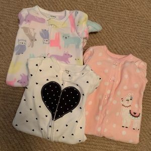 Carter's 6 month footie one pieces NWOT